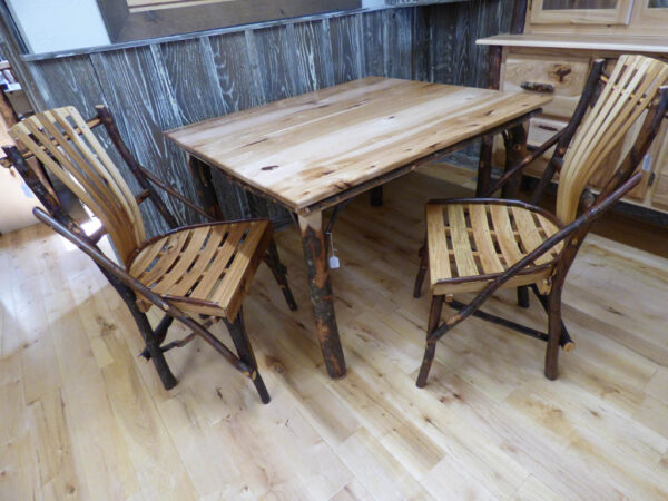 Hickory Dining Table With Chairs 2